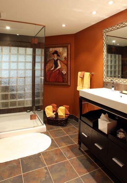 Orange Bathroom Wall Decor by Best 25 Burnt Orange Bathrooms Ideas On Burnt