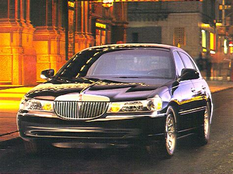 Lincoln Town Car Reviews Specs Prices Cars