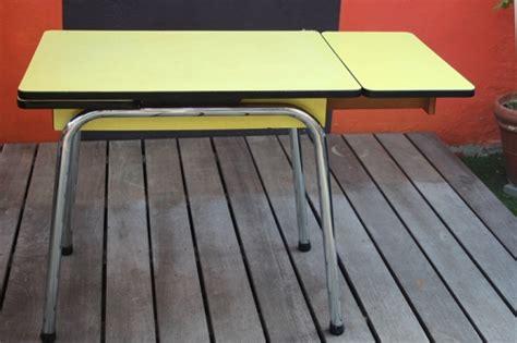 table de cuisine formica table cuisine en formica jaune vintage by fabichka