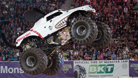 monster truck shows in florida monster jam monster truck 2015 review carsguide