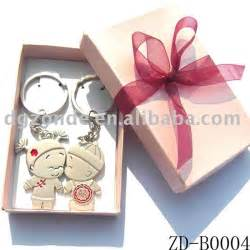 gifts for readers at wedding 20 best wedding gifts for guests 2015 for you 99 wedding ideas