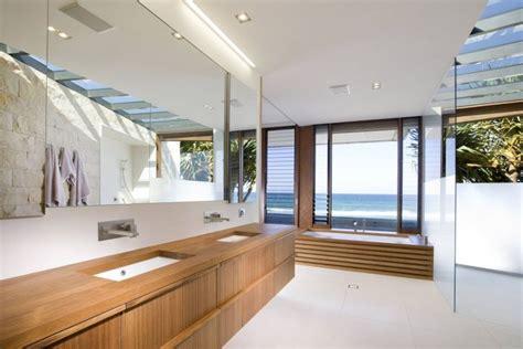 luxurious queensland beach residence offers dramatic ocean