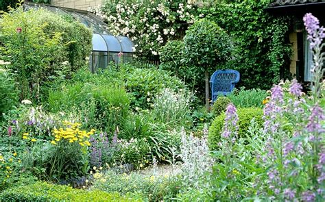 revive gardens forget paving and patios new bbc show aims to revive interest in traditional kitchen garden