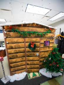 country cubicle decorating ideas work cubicle turned into a log cabin made out
