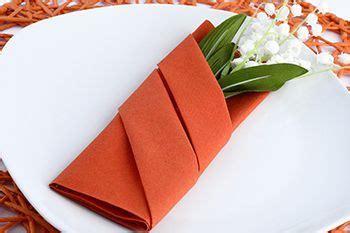 günstige silberhochzeit geschenk basteln die 25 besten ideen zu servietten falten auf weihnachten weihnachtsbaum serviette