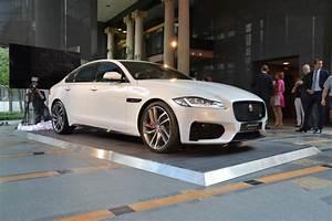 Avis Jaguar Xf : jaguar xf vid o de la premi re fran aise de la nouvelle xf paris ~ Gottalentnigeria.com Avis de Voitures