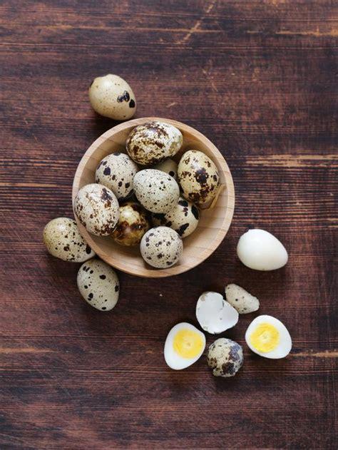 Membuat telur puyuh bacem, obat kangen makanan angkringan yogyakarta. Resep Kwek Kwek, Telur Puyuh Goreng Tepung khas Filipina - Lifestyle Fimela.com