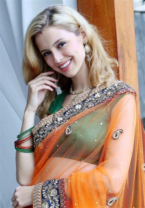 tv actress sippora zoutewelle latest   saree