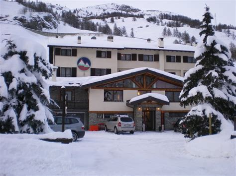 Hotel Banchetta Sestriere Italy by Hotel Banchetta Sestriere Italy Reviews Photos