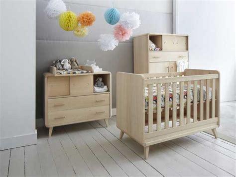 chambre bébé en bois massif zinezoé meubles bois design et naturels guide de la