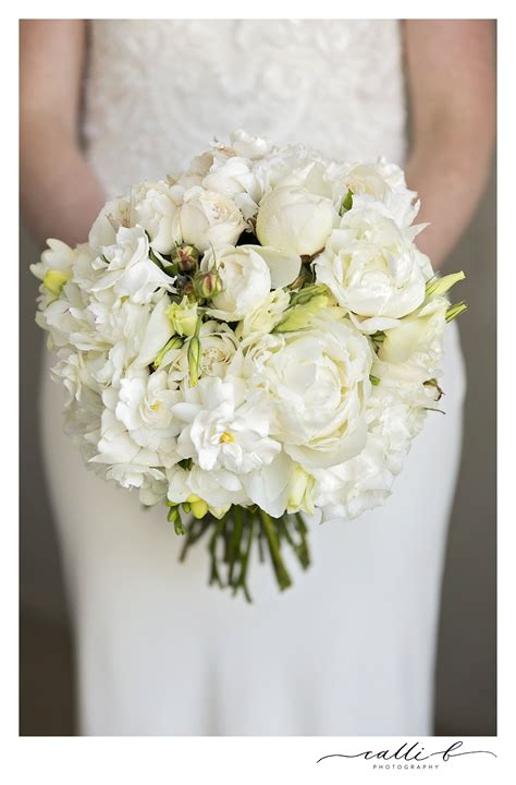 sunshine coast wedding flowers maleny noosa peonies roses natives hydrangeas