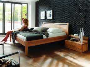 design betten gã nstig schlafzimmer massivholzmobel massivholzm bel betten gerpart