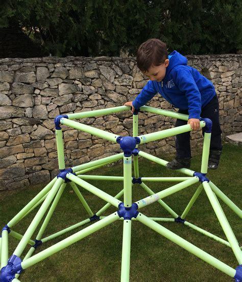jeux exterieur pour maternelle l activit 233 montessori du jour pyramide 224 grimper le de maman k
