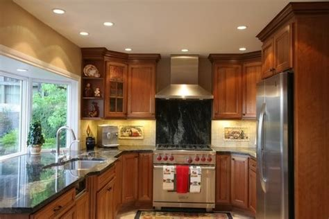 oak kitchen cabinet glass doors show    degree corner cabinets  kitchens