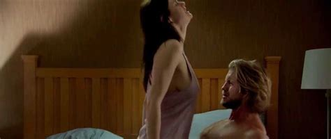 nude video celebs alexandra daddario sexy the layover 2017