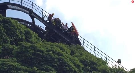 Alton Towers rollercoaster Oblivion evacuated after it ...