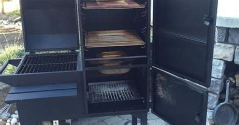 rivergrille rustler   vertical smoker  grill