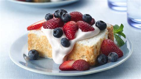 strawberry cream angel food cake recipe bettycrockercom