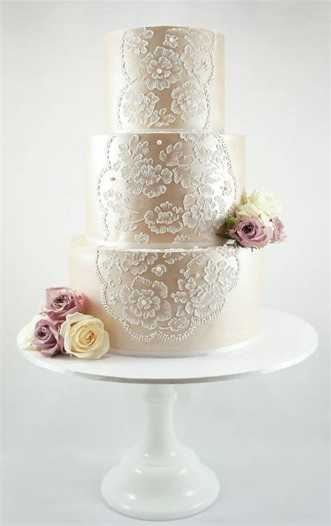 three Tier Vintage Champagnee Lace Wedding Cake   Deer