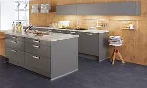 Graue Küche Welche Wandfarbe : graue k chen infos ber vorteile preise finden sie hier ~ Markanthonyermac.com Haus und Dekorationen