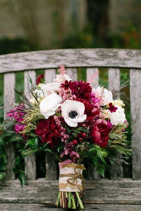 bridal flower bouquet trends  fall weddings arabia