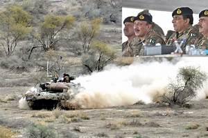 General Kayaniwitness Pak Army Exercise In Muzaffargarh Ranges