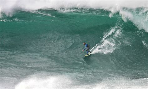 riders   storm intrepid surfers   britains