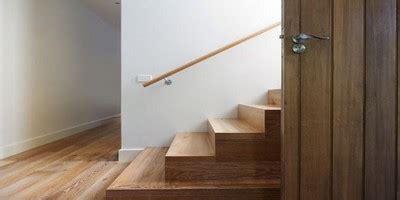 escalier bois pas cher escamotable spirale tournant sainthimat