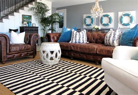 Striped Rug In Living Room : How To Enhance A Décor With A Black And White Striped Rug