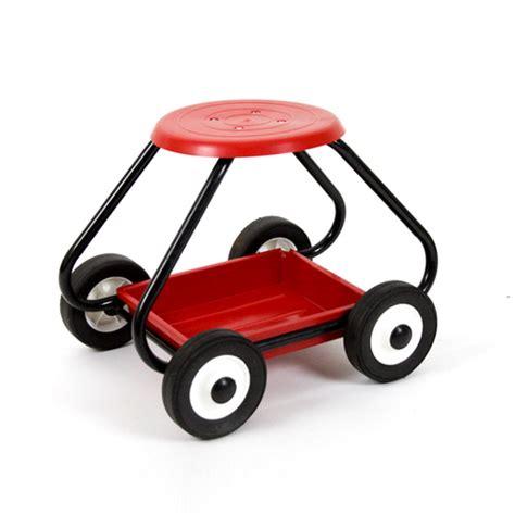 Garden Stools With Wheels - garden stool on wheels gardening tools for the elderly