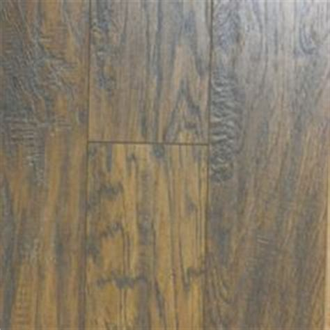 pergo max handscraped hickory pergo max 5 3 8 in w x 47 5 8 in l handscraped richland hickory laminate flooring 2 99 sq ft
