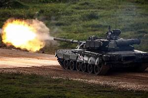 Video: See the T-14 Armata and other Russian tanks in ...