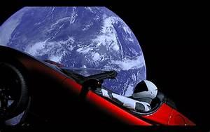 Voiture Tesla Dans L Espace : vous pouvez regarder en direct le mannequin de spacex au volant de la tesla dans l 39 espace ~ Medecine-chirurgie-esthetiques.com Avis de Voitures