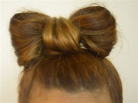 How To Make A Bow Out Of Your Hair
