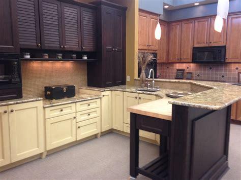 kitchen cabinets showroom displays for sale 28 display kitchen cabinets for sale no 1 display