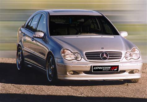 Sarja sisältää tuulenohjaimet molempiin etuoviin. Expression motorsport - Tuning for Mercedes-Benz - C Class w203