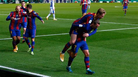 Real Sociedad vs. Barcelona - Football Match Report ...