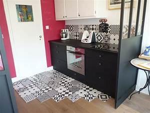 Carreau De Ciment Mural Cuisine : carreaux ciment noir et blanc top sol vinyle booster dcor carreaux ciment blanc et noir rouleau ~ Louise-bijoux.com Idées de Décoration