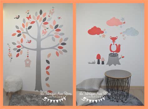 arbre déco chambre bébé gigoteuse et tour de lit bébé décoration chambre enfant