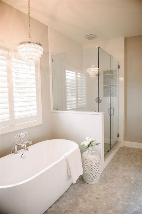 Small Master Bathroom Remodel by Best 25 Bathroom Remodeling Ideas On Small