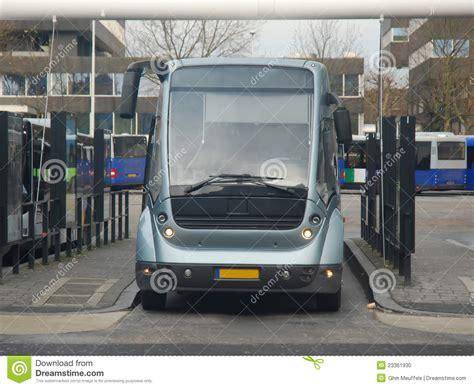 Moderne Openbare Bus  Busstation Eindhoven Nl Stock Foto
