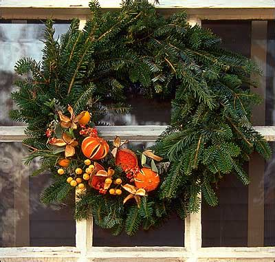 wreaths garlands ropes  fruit  colonial