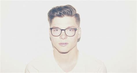 Check Out The Premiere Of Kevin Garrett's Moody Lyric
