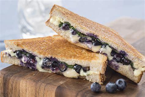 Sandwich Au Fromage Fondant Au - sandwich au fromage fondant aux bleuets et au basilic kraft canada
