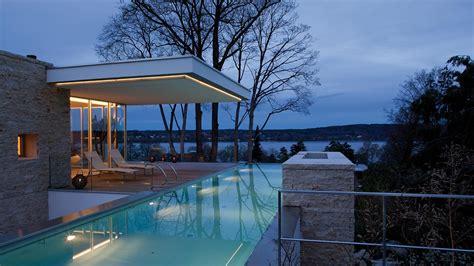 Modern house with infinity pool near Lake Starnberg ...