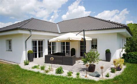 Haus Kaufen Schweiz Ratgeber by Sonnenschutz F 252 R Balkon Und Terrasse 3 M 246 Glichkeiten