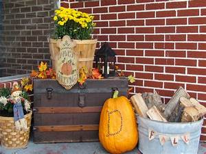 Outdoor Fall Decorations Ideas : Outdoor Fall Decorating