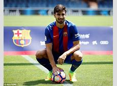 Andre Gomes officially unveiled as a Barcelona player