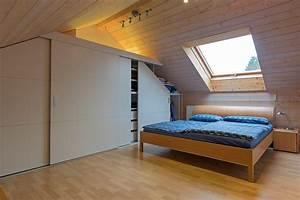 Kleiderschrank Kleiner Raum : schrank in der dachschr ge nach mass dachschr genschrank ~ Lateststills.com Haus und Dekorationen