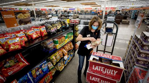 Big Lots opens in former Tucson Toys